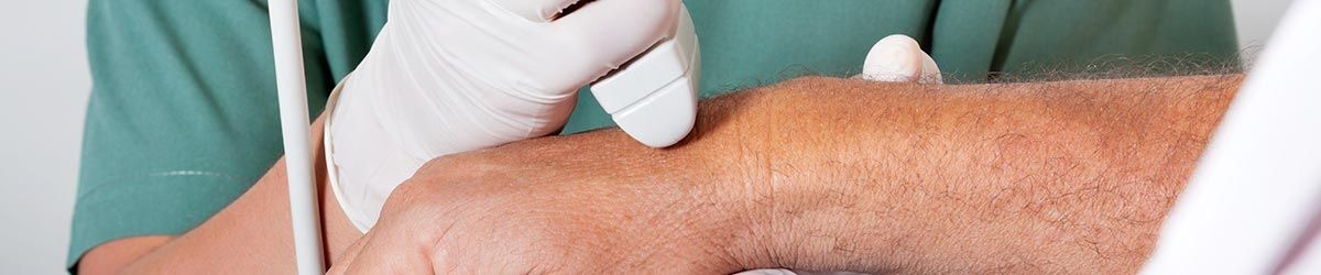 Ultrasound on a patient's wrist